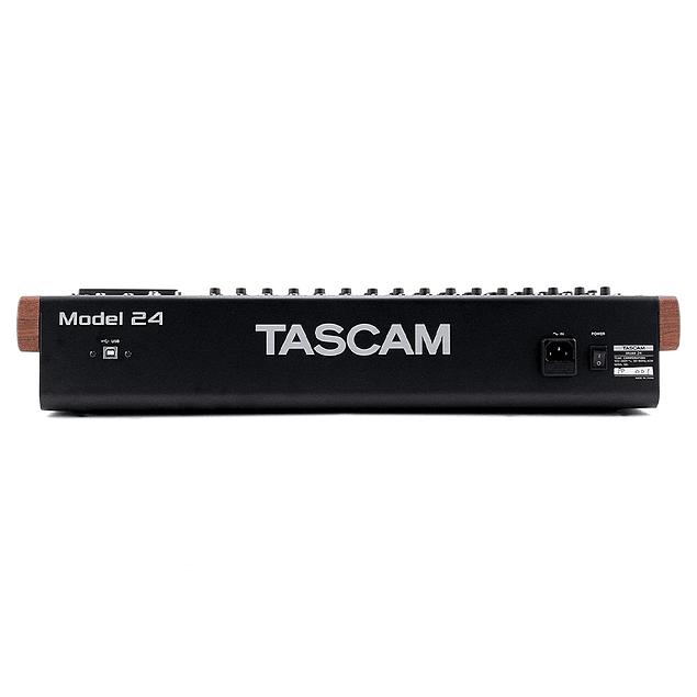 Tascam Model 24 Consola Mezcladora Multicanal Para Grabación