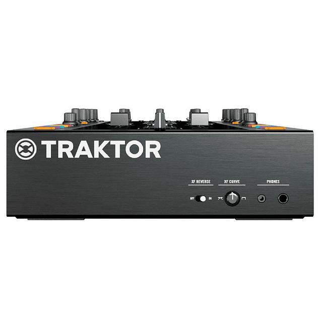 TRAKTOR KONTROL Z2 Mezcladora