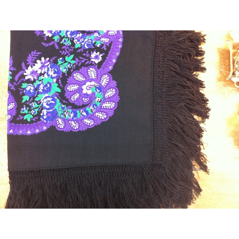 Minhoto Scarf with fringe in Black #2