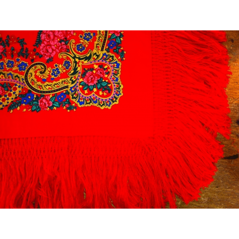 Minhoto Scarf with fringe in Red