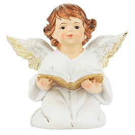 Anjinho a rezar com livro