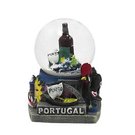 Bola de água com garrafa de vinho do Porto