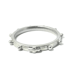 Ten-pointed ring with cross