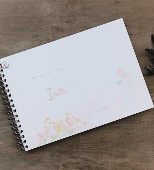 Caderno de mensagens com flores