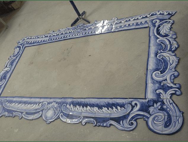 Moldura II em azulejos recortados artesanais