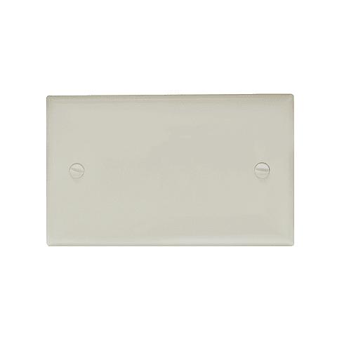 136603 Placa de plástico ciega marfil Pack 36 Pzs. Surtek