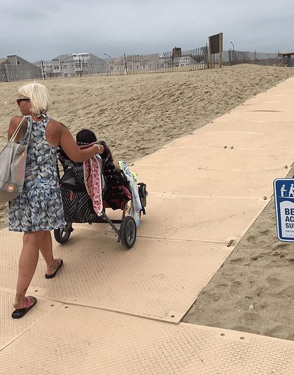 Pasarela AccessMat para playas accesibles