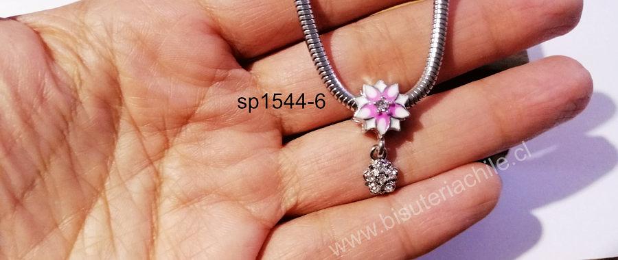 Separador tipo pandora, en forma de flor blanca con toques rosados, con dije colgante con circones, 11, x 7 mm, agujero de 5 mm, por unidad