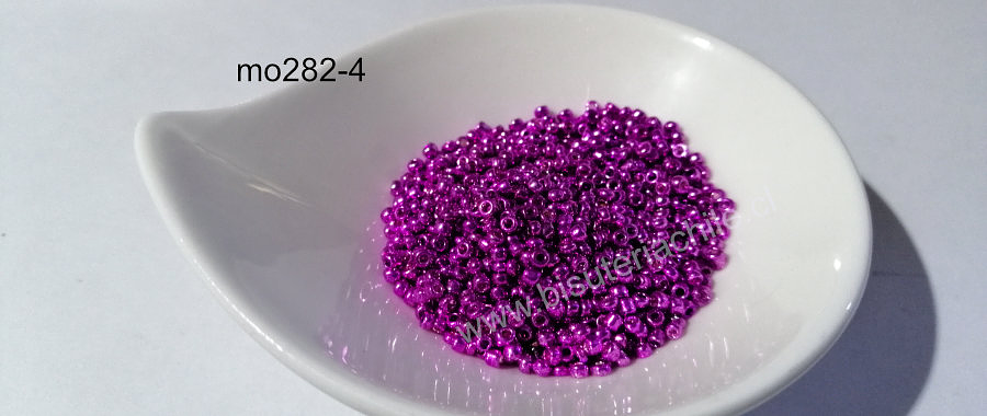 Mostacilla metalizada en fucsia metalizada de 2.1 mm (11/0), set de 20 grs.