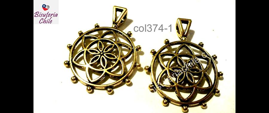 Colgante dorado diseño étnico, 30 mm de diámetro, set de dos unidades