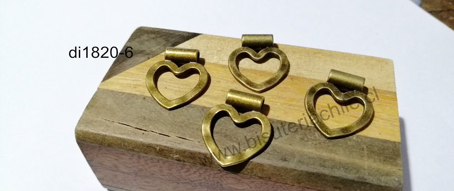 Dije colgante corazón envejecido, 21 x 25 mm, set de 4 unidades. San Valentin