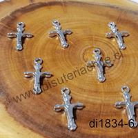 Dije plateado en forma de cruz, 17 x 10 mm, set de 8 unidades