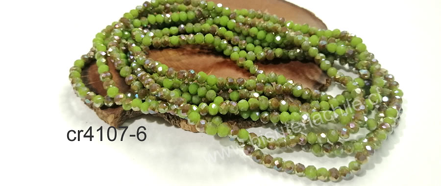 Cristal facetado verde con tonos cafés 4 mm, tira de 140 cristales aprox