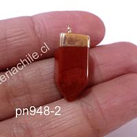 Dije jaspe rojo, en base dorado, 20 mm de largo x 10 mm de ancho, por unidad