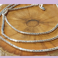 Collar con separadores baño de plata, 50 cm de largo, más alargue, para usar como collar o pulsera.
