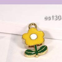 Dije esmaltado flor amarillo, base dorado, 20 x 11 mm, por unidad