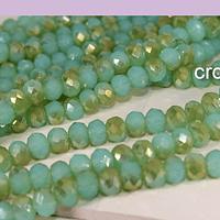 Cristal facetado en tonos verdes de 6 mm, tira de 90 cristales aprox