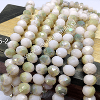 Cristal 8 mm, en color piel claro con tonalidades verdes claras, tira de 70 cristales