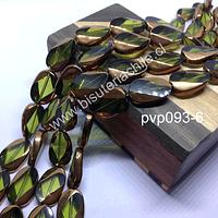 Vidrio en color verde con aplicaciones de cobre, 20mm x13 mm, tira de 18 perlas aprox