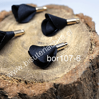 Borla de en forma de flor, color negra, en base dorado, 26 mm de largo x 13 mm de ancho, ser de 4 unidades