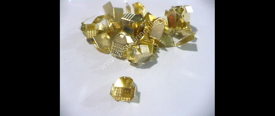 Terminal dorado 7 mm de ancho y 10 mmm de largo set de 24 unidades aprox