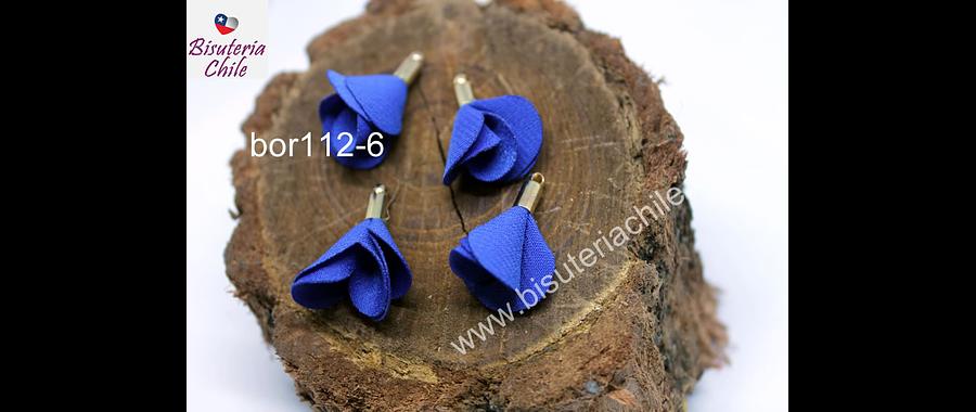 Borla de en forma de flor, color azul en base dorado, 26 mm de largo x 13 mm de ancho, ser de 4 unidades