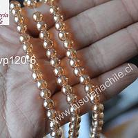 perla de vidrio semi transparente, color dorado con brillos  naranjos, 6 mm, tira de 65 perlas.