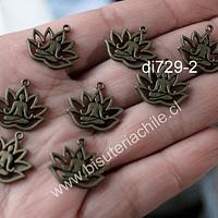 Dije envejecido diseño flor de loto y meditación, 17 x 15 mm, set de 8 unidades