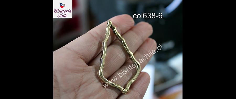 Colgante dorado, 60 mm de largo x 38 mm de ancho, por unidad