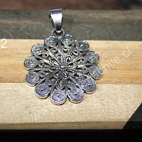Colgante plateado  diseño flor, 30 mm de diámetro, por unidad