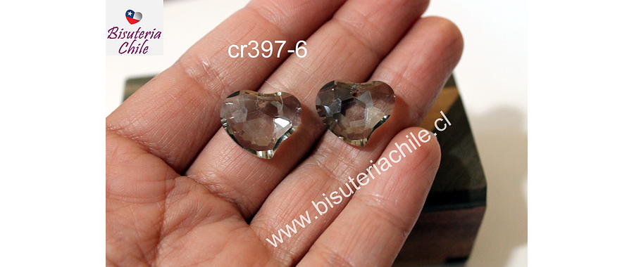 Cristal en forma de corazón facetado color gris,  16 mm de ancho x 15 mm de largo, set de dos unidades. San Valentin