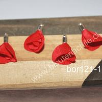 Borla de en forma de flor, color rojo, en base plateada, 26 mm de largo x 13 mm de ancho, ser de 4 unidades