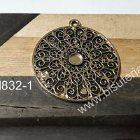 Colgante dorado, 39 mm de diámetro. por unidad