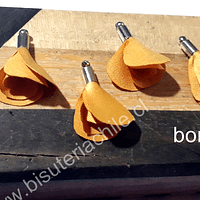 Borla en forma de flor, color amarillo ocre, en base plateada, 26 mm de largo x 13 mm de ancho, ser de 4 unidades