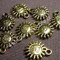 Dije dorado en forma de sol, 12 mm de diámetro, set de 8 unidades