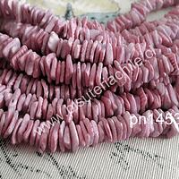 Nacar picado en color lila entre 8 y 10 mm x 1 mm, tira de 41 cm aprox