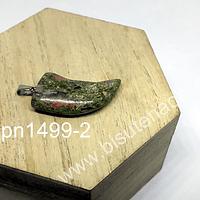 Dije en forma de colmillo de unakita, 27 mm de largo x 13 mm de ancho, 4 mm de ancho, por unidad