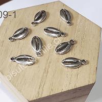 Dije plataeado en forma de conchita cortada, 17 x 8 mm, set de 8 unidades