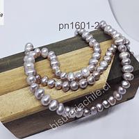 Perla de río rosado de 6 mm aprox, tira de 68 perlas aprox.