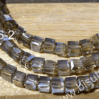 Cristal facetado cuadrado color champagne tornasol, 3 mm, tira de 99 cristales aprox.