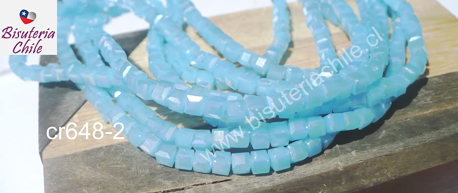 Cristal facetado cuadrado color celeste, 3 mm, tira de 99 cristales aprox.