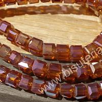 Cristal cuadrado facetado naranjo tornasol, de 4 mm, tira de 49 cristales