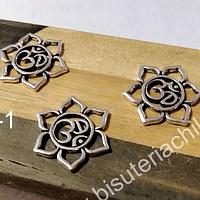 Colgante flor de loto con om, 22 mm de diámetro, set de 3 unidades