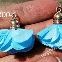 Borla flor celeste, 24 mm de largo, por par