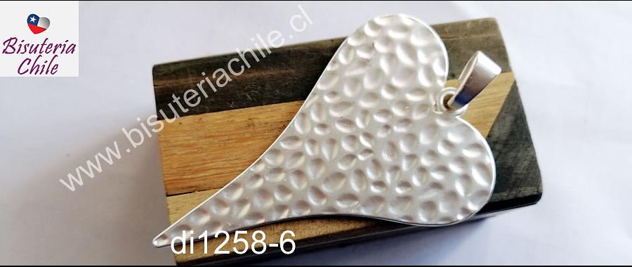 Colgante en forma de corazón baño de plata opaco, 85 x 59 mm, por unidad. San Valentin