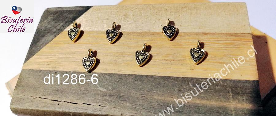Dije dorado corazón, 10 x 5 mm, set de 6 unidades. San Valentin
