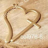 Colgante baño de oro opaco, en foma de corazón, 62 x 54 mm, por unidad. San Valentin