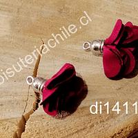 Borla flor burdeo, base plateado, 24 mm de largo, por par