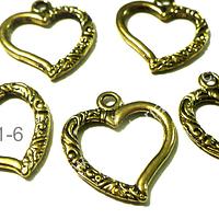 Dije dorado en forma de corazón, 25 mm de largo por 22 mm de ancho, set de 5 unidades. San Valentin