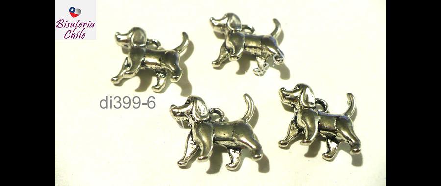 Dije plateado en forma de perro, 16 mm de largo por 13 mm de ancho, set de 4 unidades